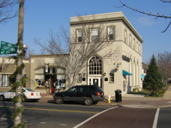 Del Ray Main Street - Cheesetique & Virginia Commerce Bank on Mt Vernon Ave